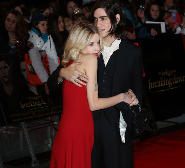 Peaches con su esposo Thomas Cohen.